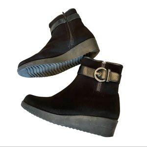 Stuart Weitzman fur lined waterproof ankle boots